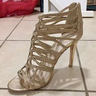 Gold Strapy Heels Size 9 REDUCED TO 30$