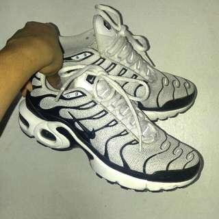 Nike Airmax Tn Black And White