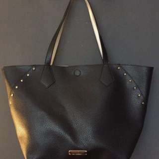Jones New York black faux leather purse