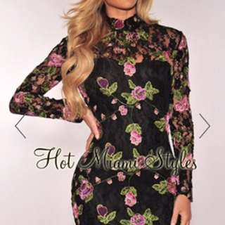 NEW Floral Embroidered Longsleeve Dress