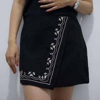 rok hitam belah