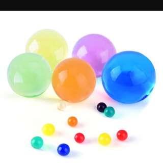 Water expanding beads