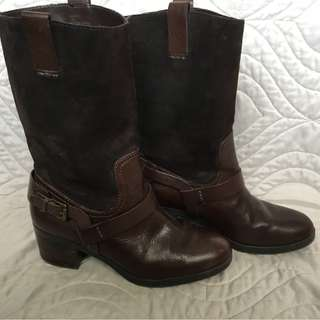 *REDUCED* EUC RALPH LAUREN CASEY BOOTS - 7.5