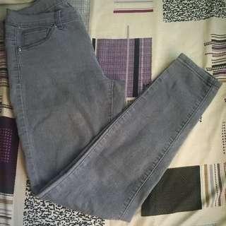 ‼️Repriced‼️F21 Skinny Stretch Jeans