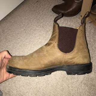 Brown Blundstone, size 7.5/14