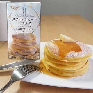 *預計10月中到貨*日本 PIONEER 舒芙蕾鬆餅粉 容量:250g 建議售價$250  口感鬆軟似海棉蛋糕般的綿密 帶有舒芙蕾的濕潤口感  日本製 重量:約250g 包裝尺寸:16x9x5cm