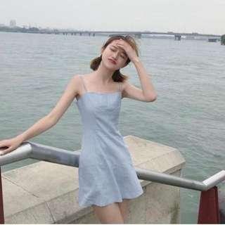 水藍色小洋裝