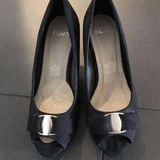 NOVO heels retail price: $60 - sizs 5 AUS