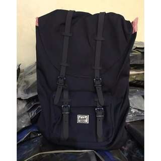 HERSCHEL SUPPLY CO. Little America 23.5LBackpack