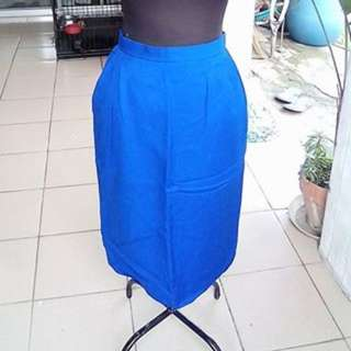 CORPORATE SKIRT WITH SIDE POCKETS