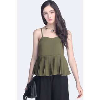 Fayth Eva Pleated Top in Olive (size M)