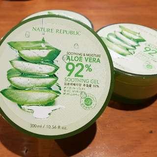 NATURE REPUBLIC Aloe Vera 92% Soothing & Moisture Gel