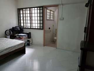 Jurong West St 42 Blk 435 3A Flat For Sale