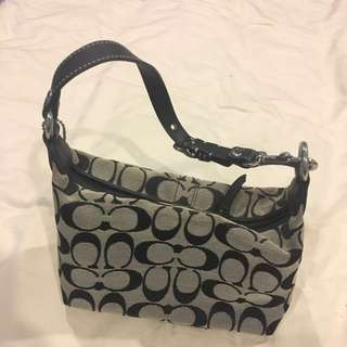 * Almost new ! * Coach top handle bag !