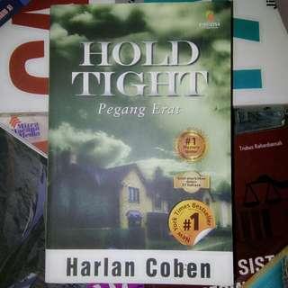 HOLD TIGHT - HARLAN COBEN