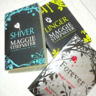 ' Shiver ' Book series By Maggie Stiefvater 😍✨
