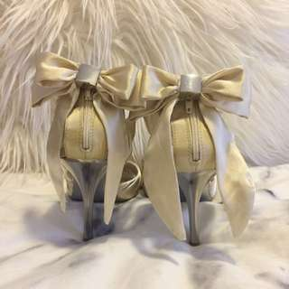 ZU Silk-like Heels With Bow