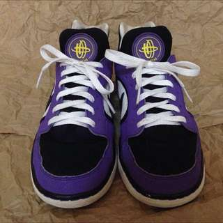 27dc1efae0ec2 Nike Air Huarache Low Womens Size 7 1 2 (runs Small)