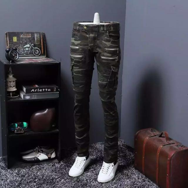 迷彩軍事風格經典款小腳褲 4條拉鍊設計,展現與眾不同的個人風格
