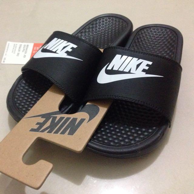 全新(僅有一雙)正版 Nike拖鞋 黑底白字