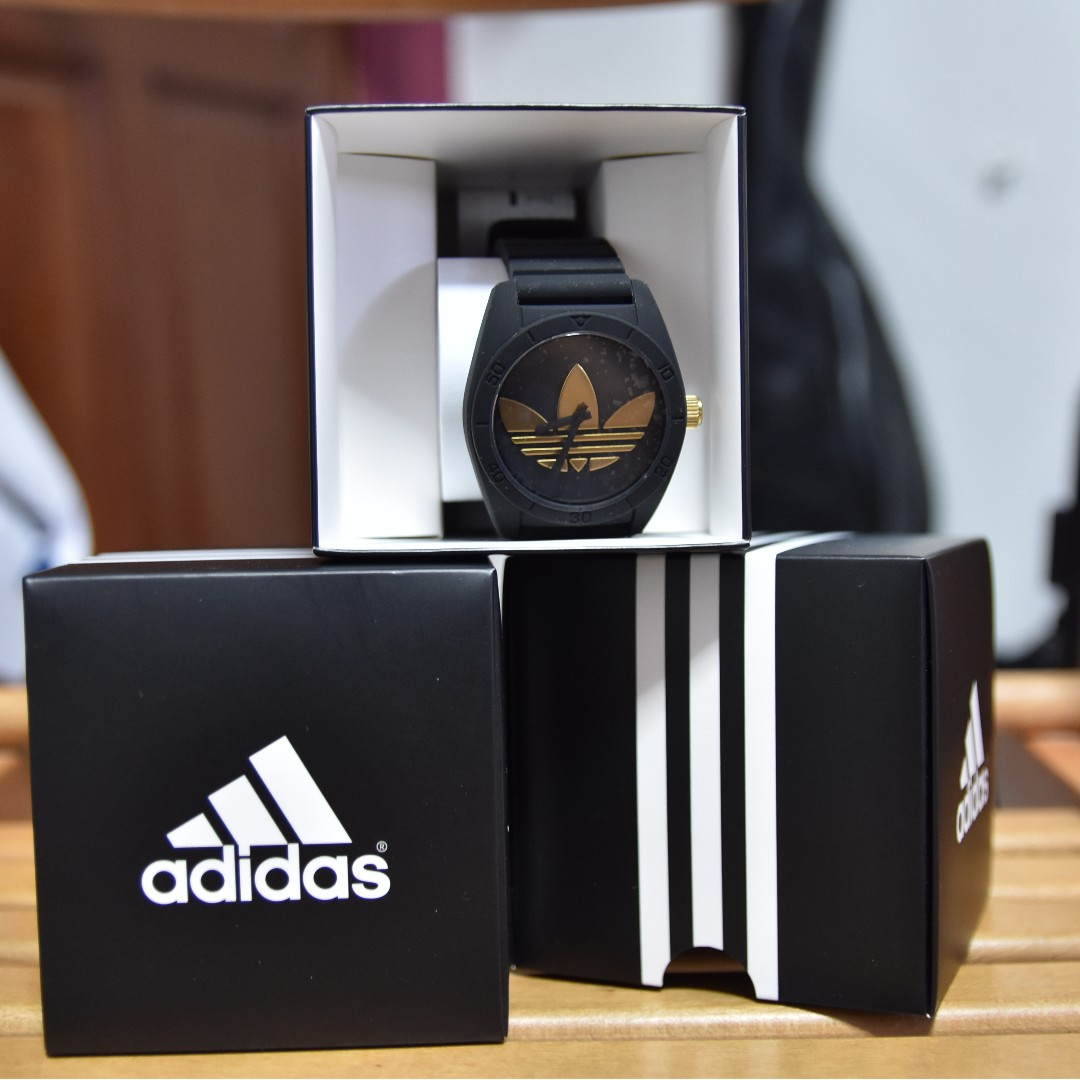 da88288d4ecc ADIDAS Originals Santiago Watch [Black/Gold], Men's Fashion, Watches ...