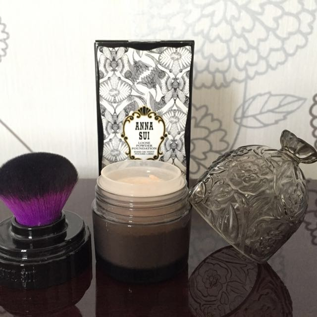 Anna Sui Loose Powder Foundation