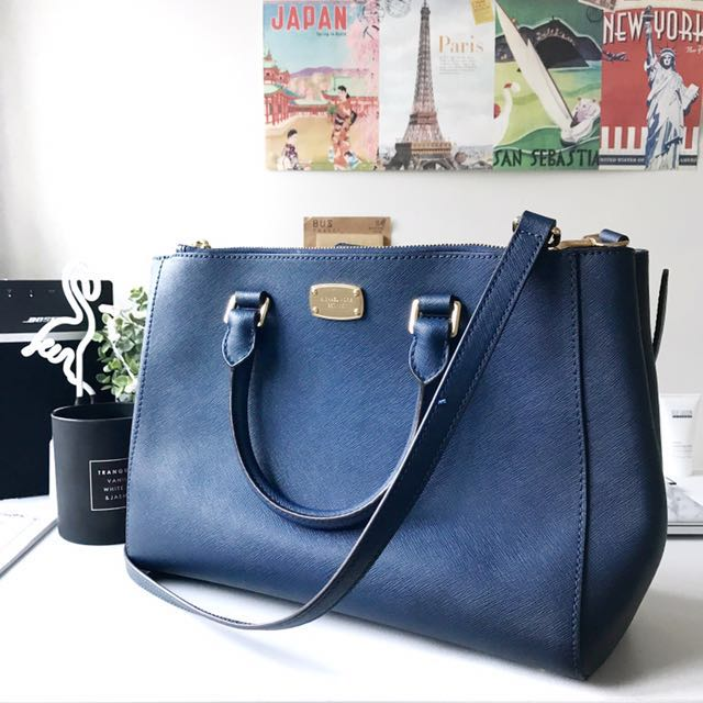 3448c30506e7 Authentic Michael Kors MK Bag, Luxury, Bags & Wallets on Carousell