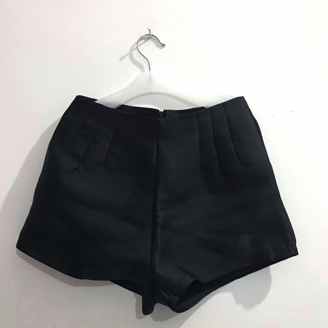Avenue Black Short