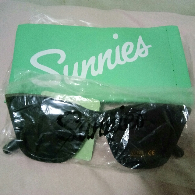 Brandnew Sunnies Nikka Sunglasses