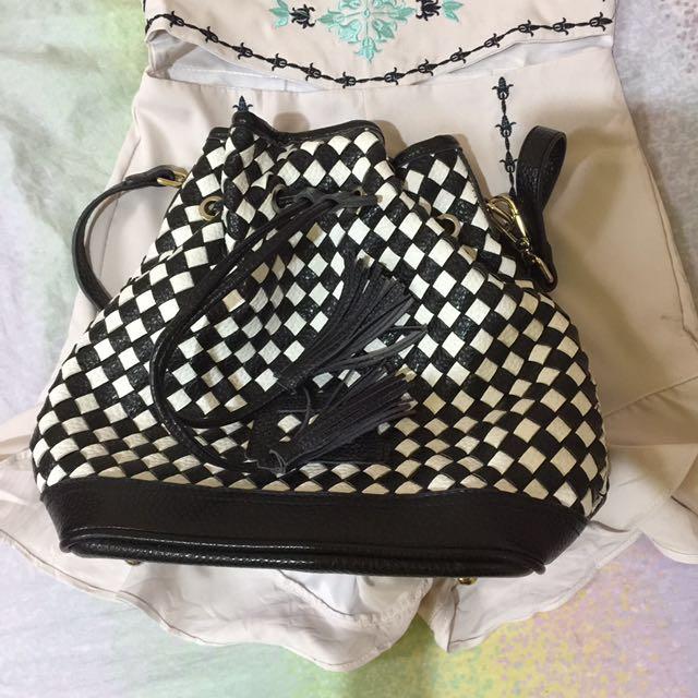 Cinderella Tassle bucket bag