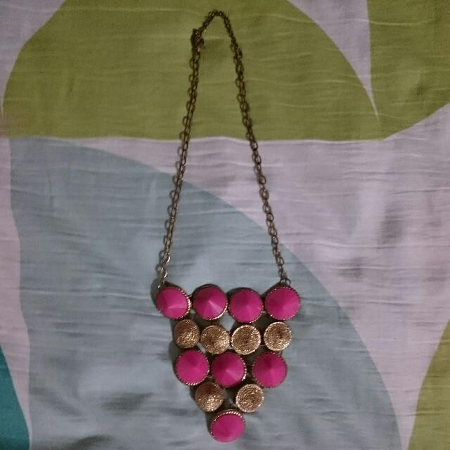 Classy Pink Design Necklace