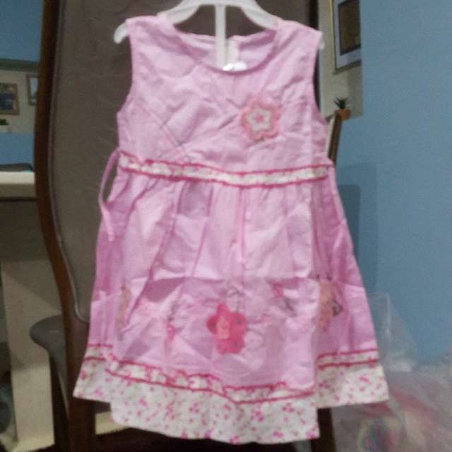 CLEARANCE BRAND NEW GIRL'S PINK & FLORAL DRESS