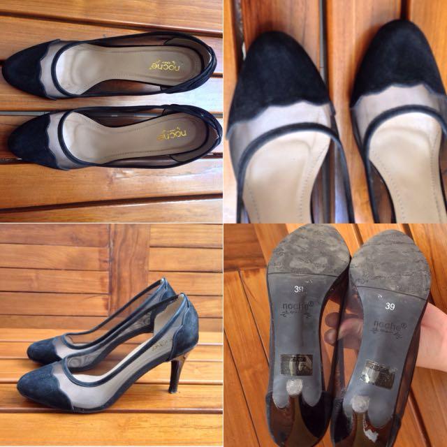 Court Efia Black Heels