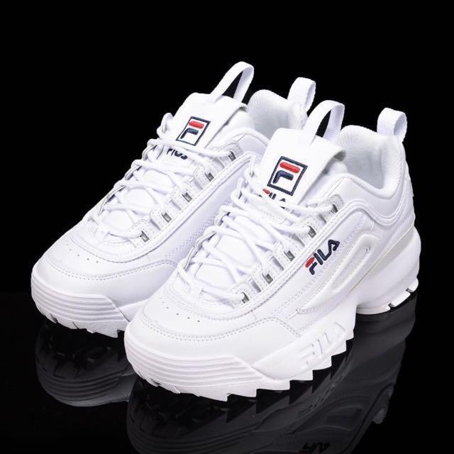 FILA 球鞋