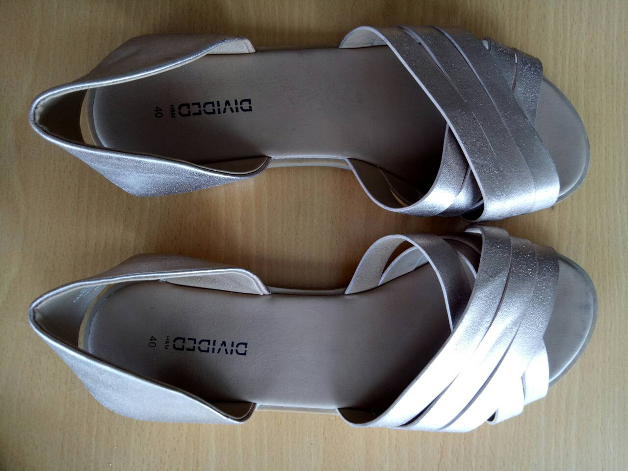 H&M DIVIDED SIZE 40