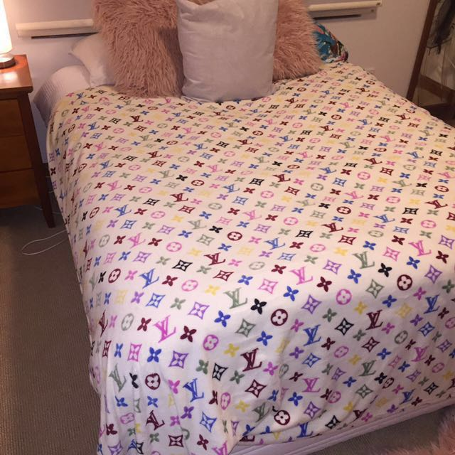 LOUIS VUITTON print soft blanket