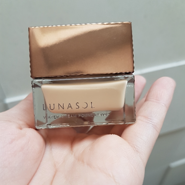Lunasol Kanebo water cream foundation