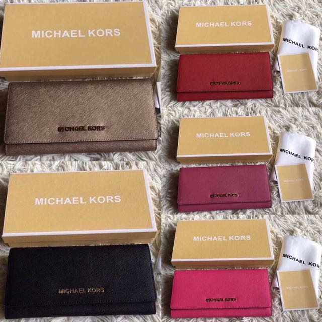 Micheal kors long wallet