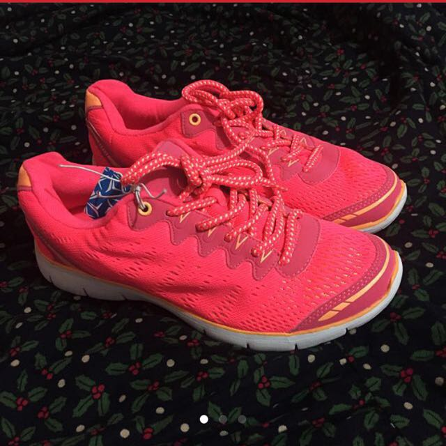 Old Navy Flexible Sole in Neon Pink