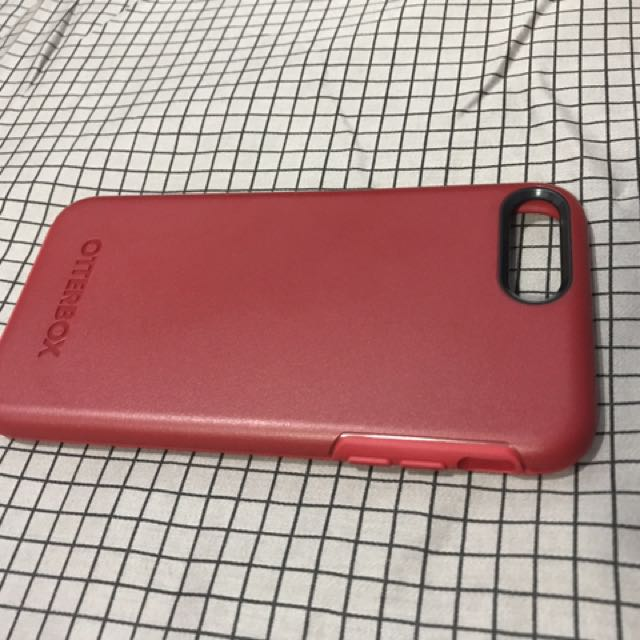 otterbox case for iphone 7 plus. slightly used