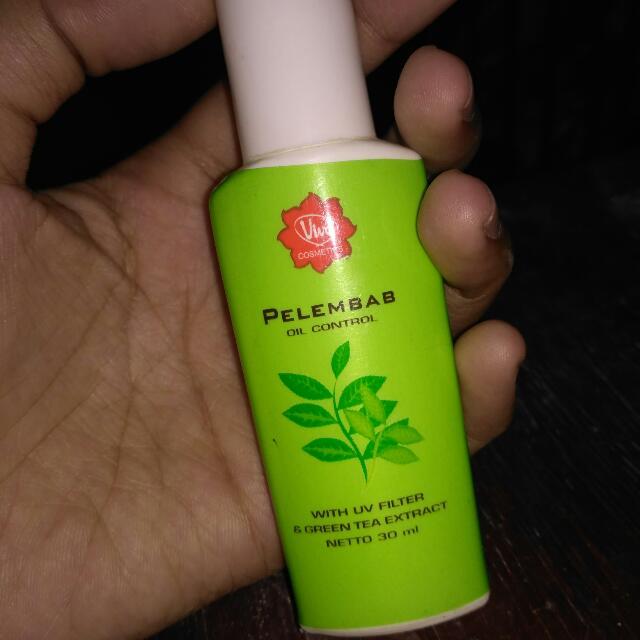 Pelembab Oil Control Viva With UV Filter & Green Tea Extract