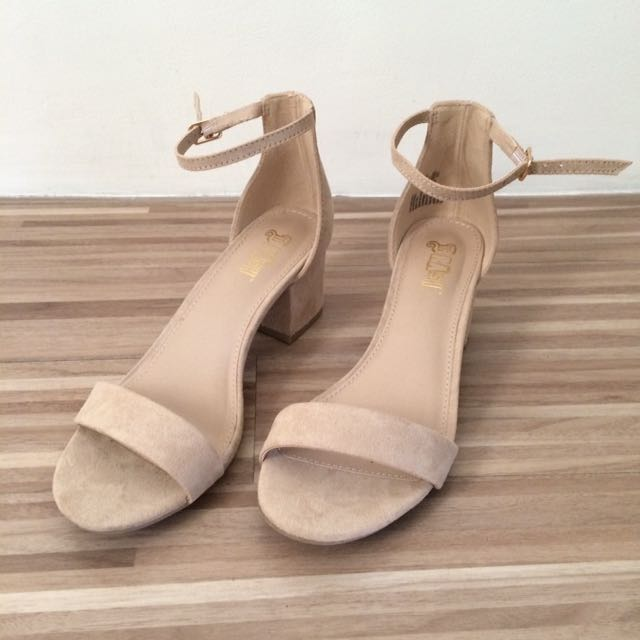 Sandals size38
