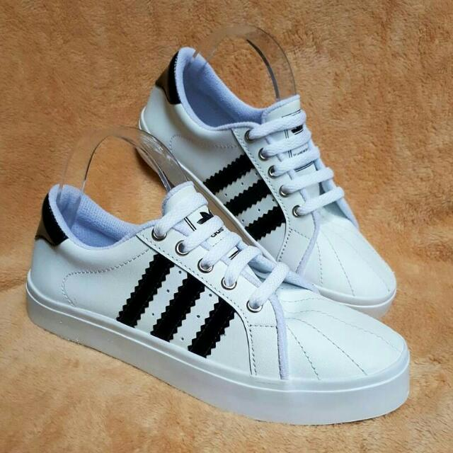 Sepatu Putih / Sepatu Adida / Sepatu Putih Murah / Sepatu Murah