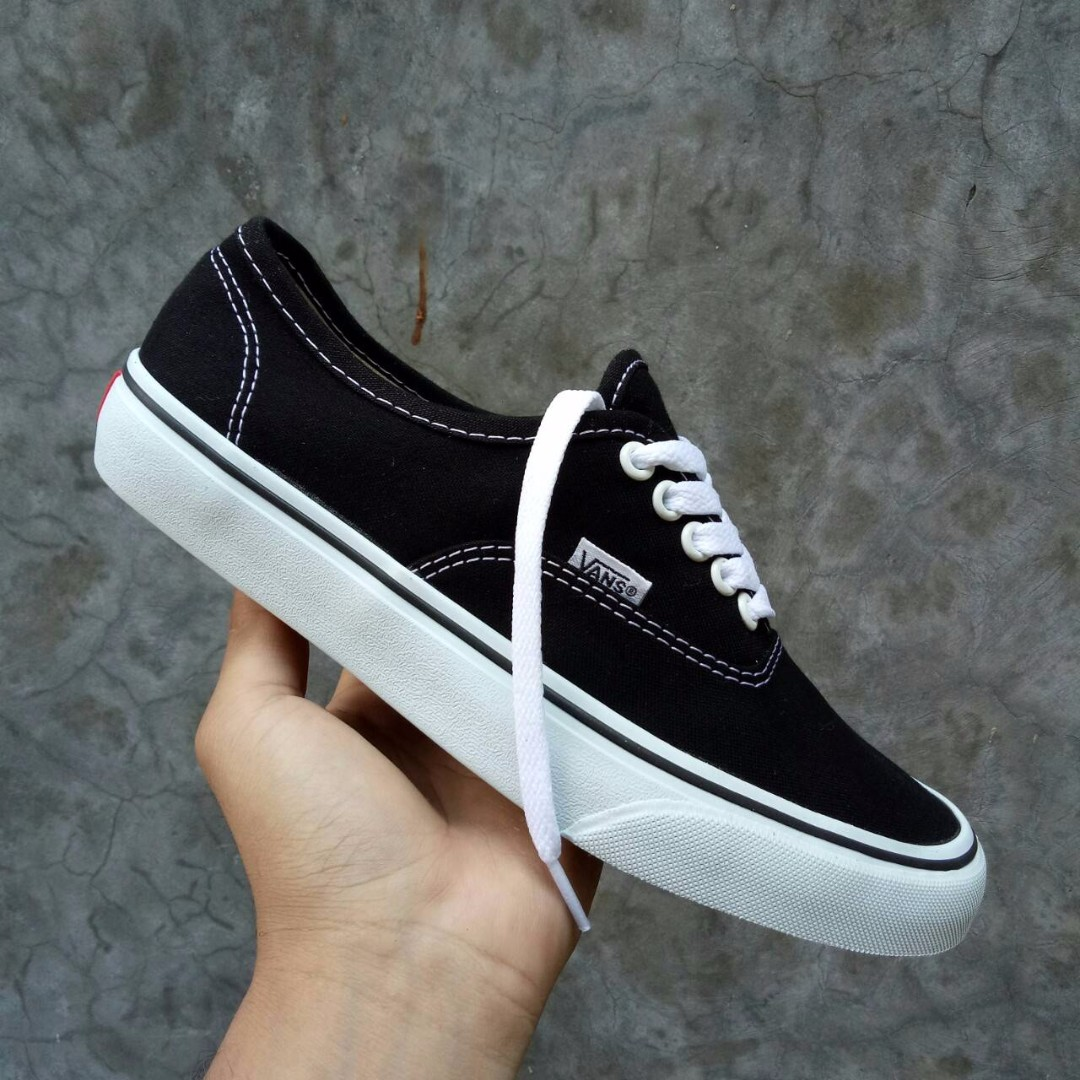 SEPATU VANS AUTHENTIC BLACK WHITE PREMIUM IFC FULL TAG MADE IN CHINA ... 020363d679