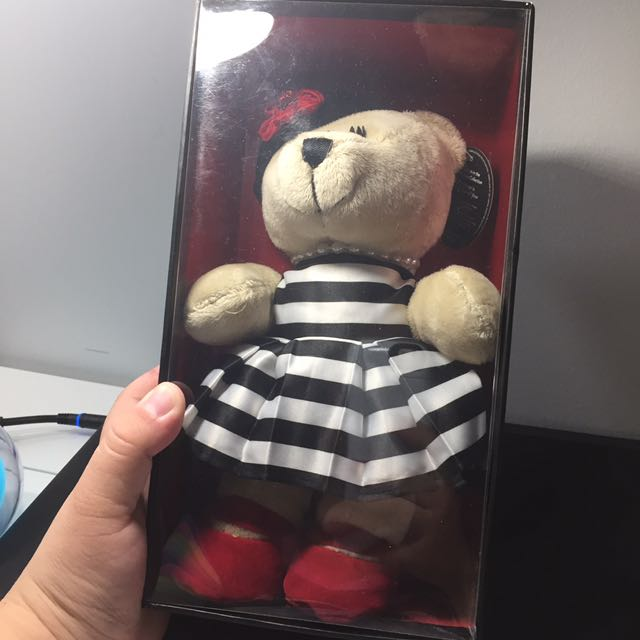 Starbucks Holiday Bearista Bear (Alice and Olivia by Stacey Bendet)