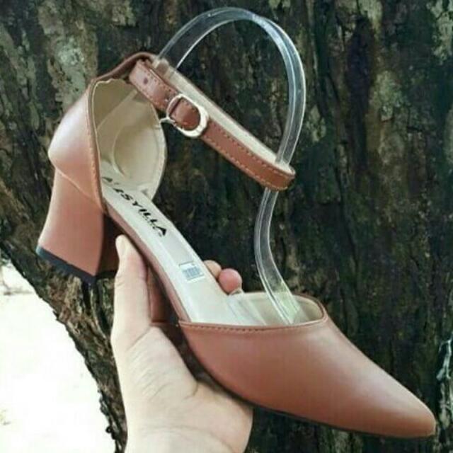 Strap Heels /  Heels / Heels Wanita / Coklat Heels / Heels Murah