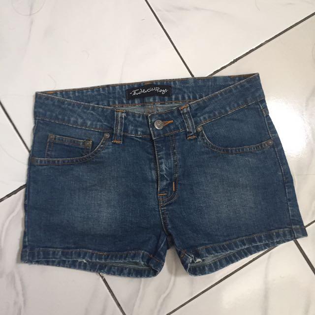Tendecious Shorts
