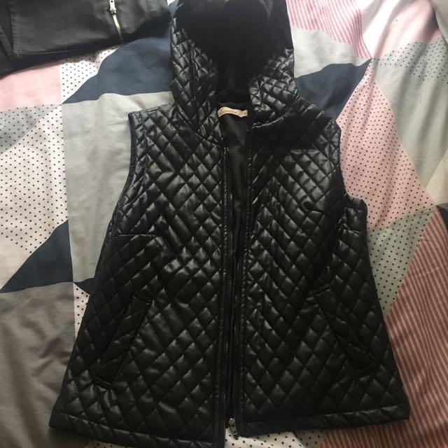Vest- Quilted wet look