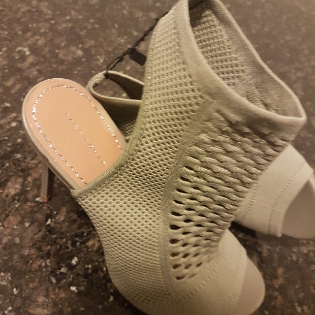 Zara Size 8 Brand New