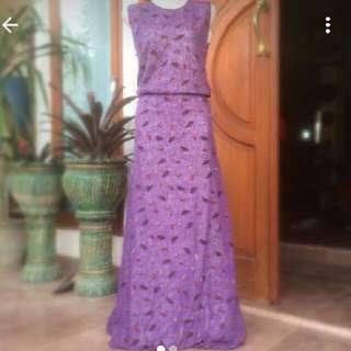 Dress ungu tua motif daun